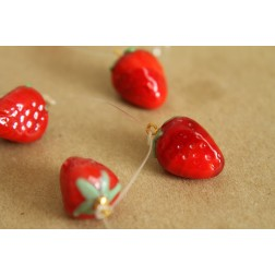 5 pc. Glass Strawberry Lampwork Charms   MIS-036
