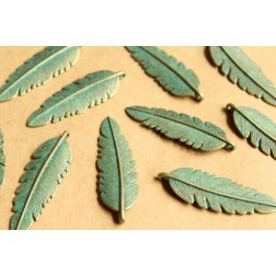 10 pc. Verdigris Antique Bronze Round Feather Pendant, 44mm by 14mm | MIS-075