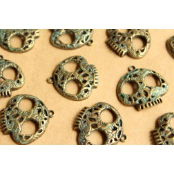 10 pc. Verdigris Antique Bronze Flowered Skull Pendant, 27mm by 27mm | MIS-076